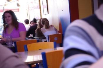 Emma Watson dans un café à Brown ?