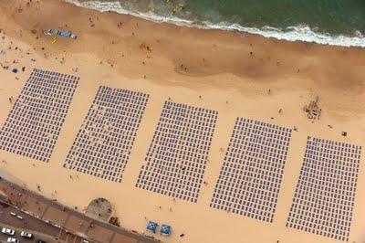 La réalité parle mieux que les chiffres: Beach stunt contre le cancer