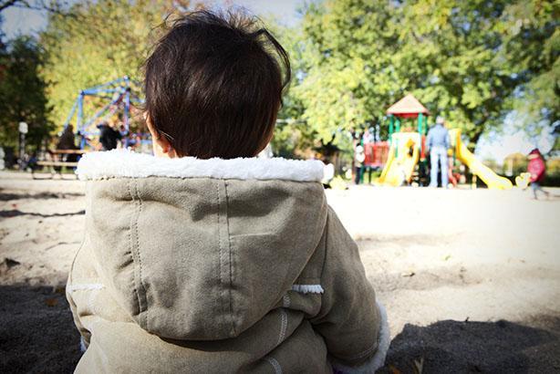 Photo d'enfant de dos