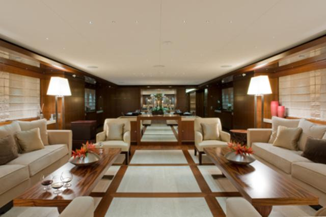 yacht de puff daddy yachts luxe paperblog picture to pin. Black Bedroom Furniture Sets. Home Design Ideas