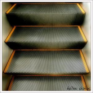 escalator_photo