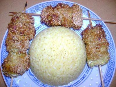Brochettes de poulet au sésame