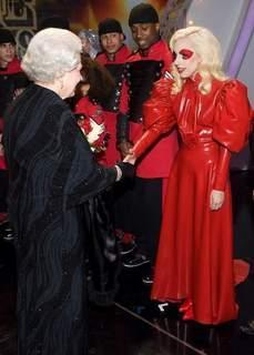 Lady GaGa: Son étonnante rencontre avec la Reine d'Angleterre