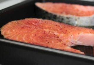 darnes de saumon au four voir. Black Bedroom Furniture Sets. Home Design Ideas