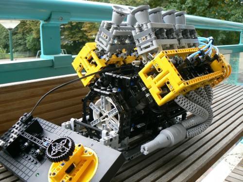 lego-motor-v8-2