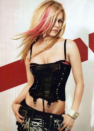 Avril Lavigne dans Alice au pays des merveilles