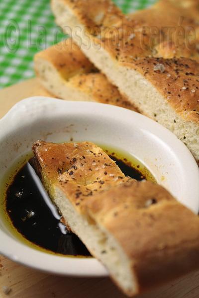 Foccacia au parmesan et basilic