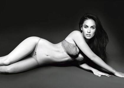 Megan Fox : Sexy Emporio Armani