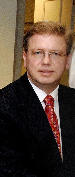 Štefan Füle, deux poids deux mesures