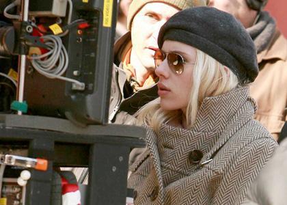 http://www.celebrity-gossip.net/images/photos/scarlett-johansson-ny-love-you.jpg