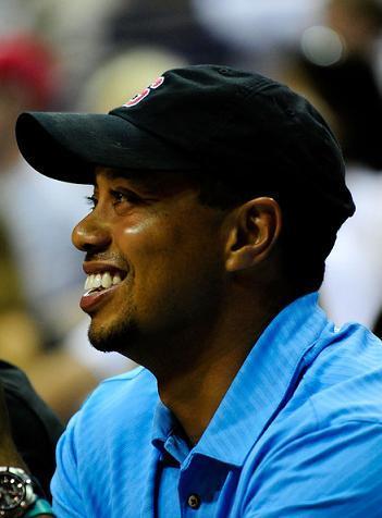 Combien a donné Tiger Woods ???