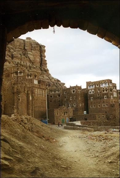 yemen-thula.1263302899.jpg