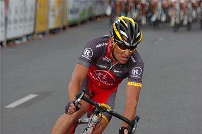 Armstrong-Lance.jpg