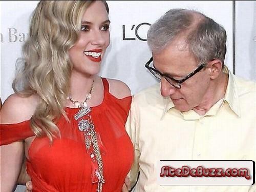 Woody Allen a bloqué sur les seins de Scarlette Johansson !