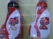 Japon: bouteilles d'eau Hello kitty Tartan