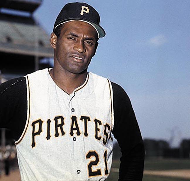 Roberto Clemente, le premier joueur latino à s'imposer dans le baseball majeur. On pourrait assimiler son importance à celle de Jackie Robinson, bien qu'aucune journée ne lui soit encore dédiée alors que de nombreux carribéens font partie des franchises de la MLB.