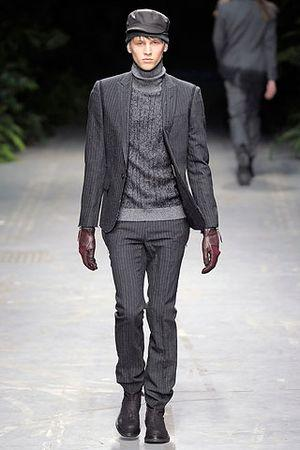 Costume national a