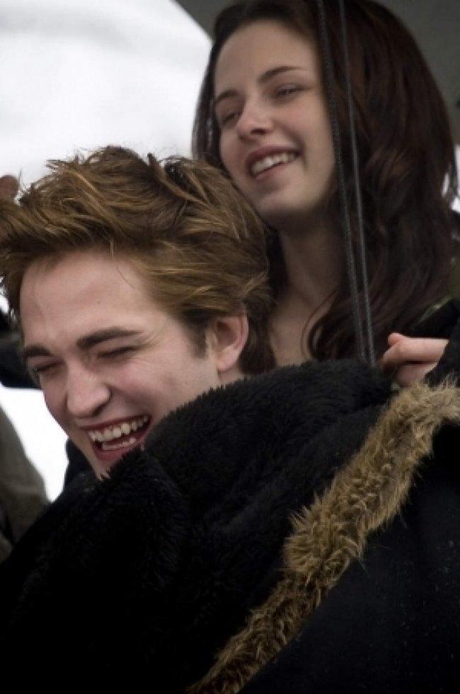 Twilight Fascination : De nouvelles photos sur le tout premier tournage - Stewart et Pattinson s'amusent dans le tournage de Fascination