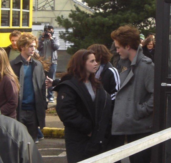 Twilight Fascination : De nouvelles photos sur le tout premier tournage - Kristen Stewart et Robert Pattinson étaient déjà très proches