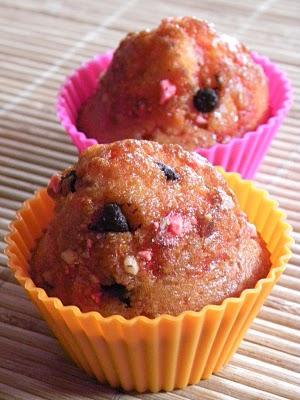 Petits muffins aux pépites de chocolat et pralines roses