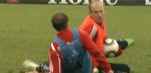 Vidéo: Quand Lahm et Robben se fritent