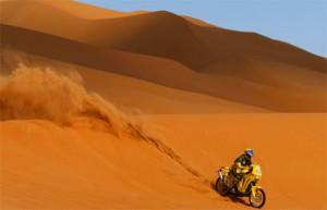 Le Dakar 2010, entre beauté du sport et vive polémique.
