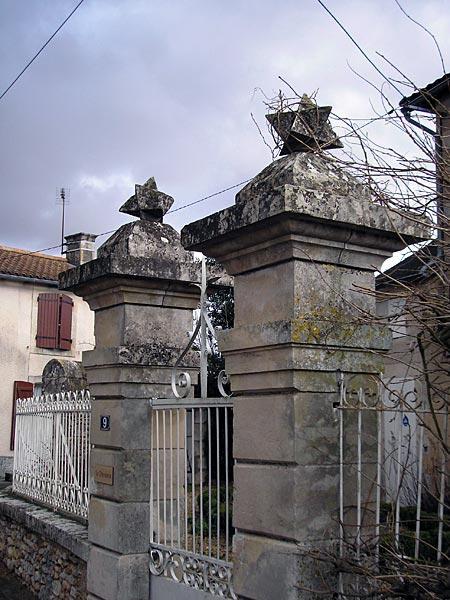 Des polyèdres à Pouzioux (Vienne)
