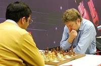 Anand face à Shirov lors de la 10ème ronde