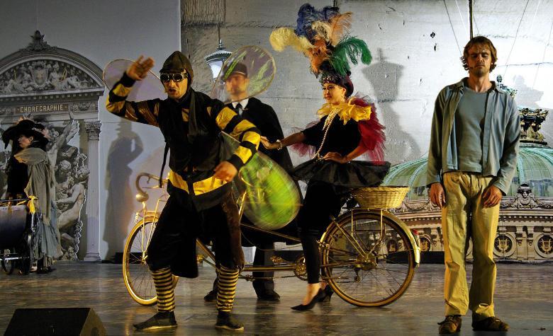 PDO affiche paris Place de lOpéra   comédie musicale