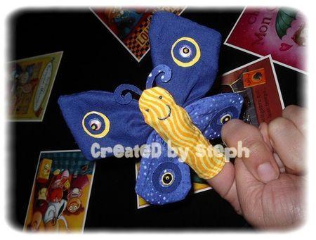marionnette_de_doigt_papillon_bleu_et_jaune