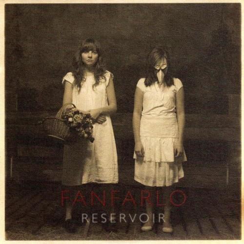Acclamé par la blogosphère, le premier album de Fanfarlo,...