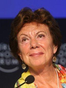 Sarkozy insulte Neelie Kroes : « elle n'a que deux neurones ».