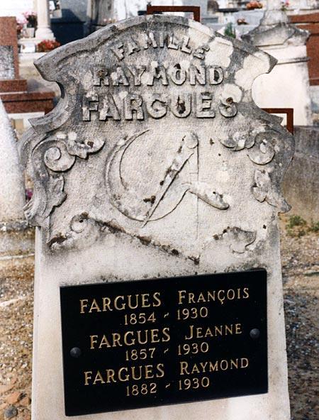 Un curieux emblème sur une tombe de Moissac (82)
