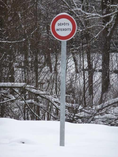 dépôt interdit - signalisation routière