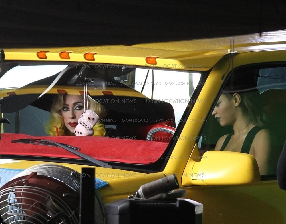 http://beyoncegallery.net/albums/ontheset/Telephone%20Music%20Video%20Shoot%20January%2029%2C%202010/15.jpg