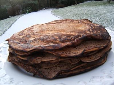Crêpes  au chocolat amer et mapple syrup et crêpes à la poire et réglisse