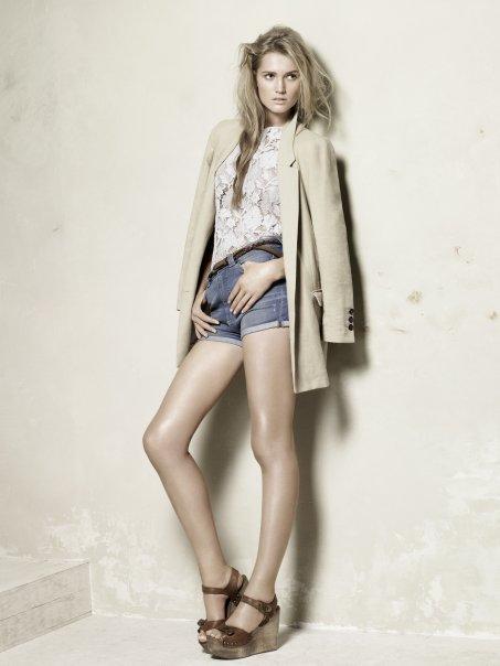 ♥ Zara Spring/Summer 2010 ♥ Les premières photos du look book...