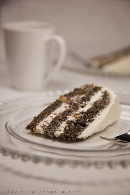Gâteau au pavot et mousse vanillée au chocolat blanc