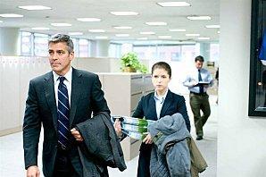 In-the-air---George-Clooney-et-Anna-Kendrick.jpg
