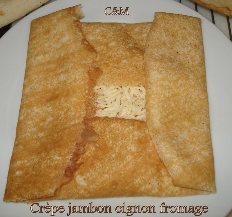 Crêpes oignons jambon fromage