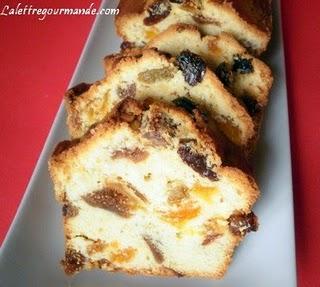 Cake raisins, figues et abricots