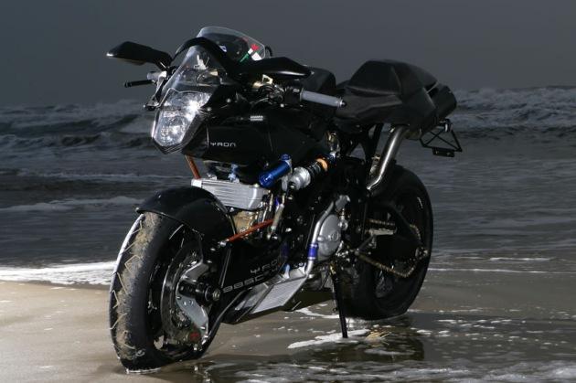 vyrus 987 c3 4v la moto la plus puissante de production dans le monde paperblog. Black Bedroom Furniture Sets. Home Design Ideas