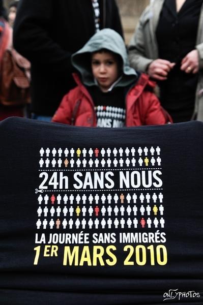 flashmob-journee-sans-immigres-L-1.jpeg