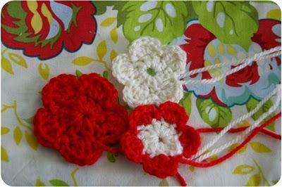 J'ai réussi :::  des fleurs au crochet!
