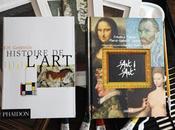 retour, avec deux livres d'art