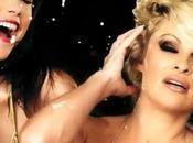 Pamela Anderson enlève haut dans censuré