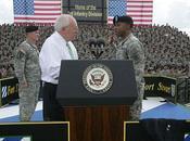 contrôle politique militaire sociétés