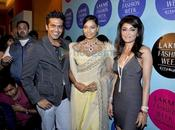 Bipasha Basu défile Lakhme Fashion Week 2010