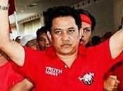 Arisman Pongruangrong, chefs chemises rouges, aurait arrêté police