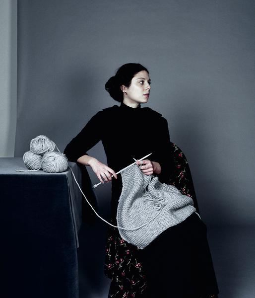 les affaires la guerre le tricot la guerre jacques. Black Bedroom Furniture Sets. Home Design Ideas
